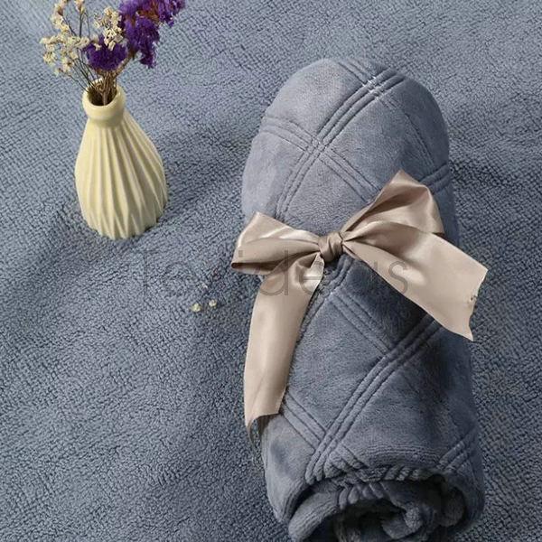 blanket (12)
